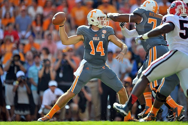 sports shoes 3bb90 9707a Vols Smokey Gray Jersey In Action (Photo)