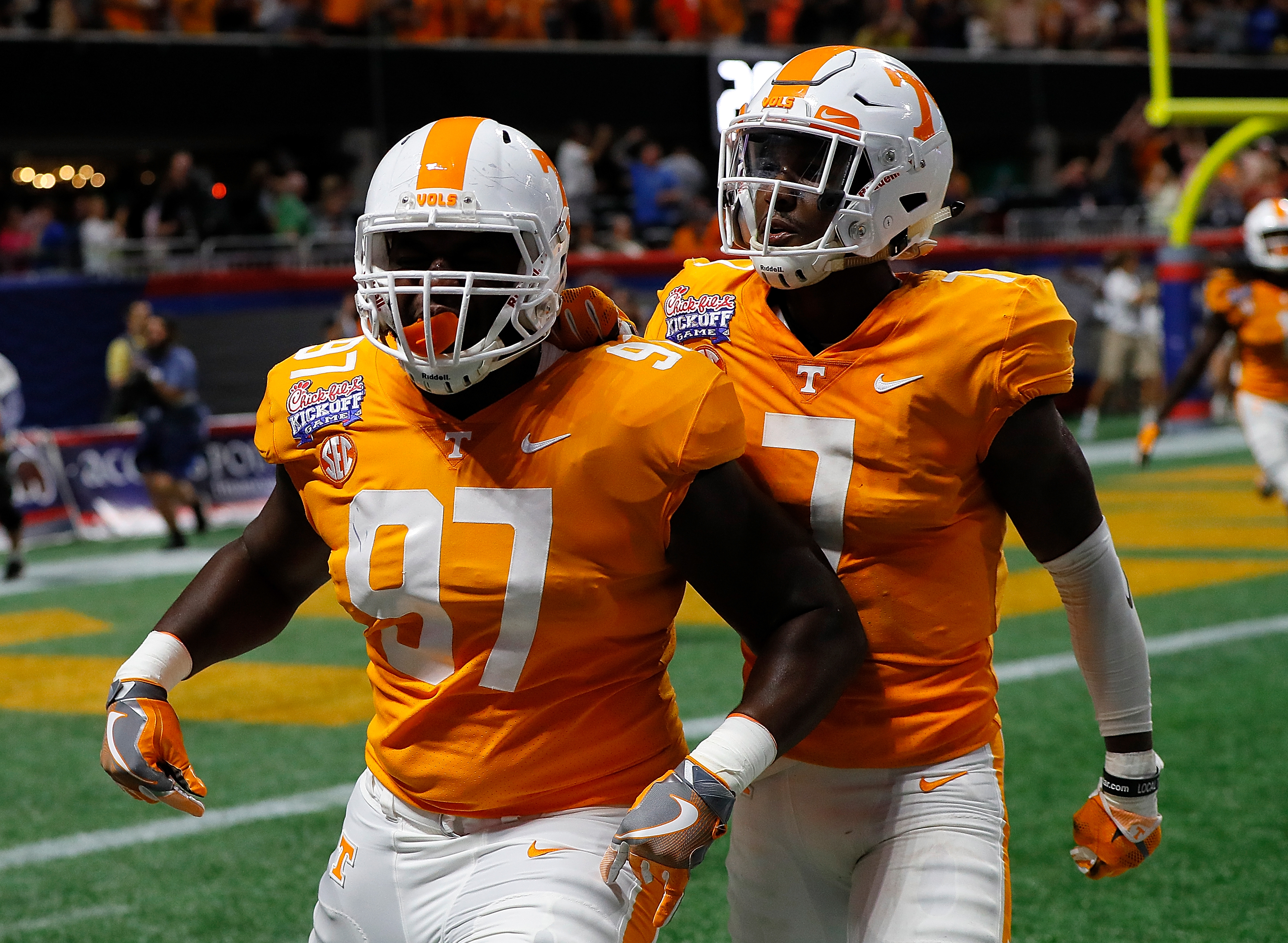 Turnovers doom Jackets in thrilling 2OT loss to Tennessee Volunteers